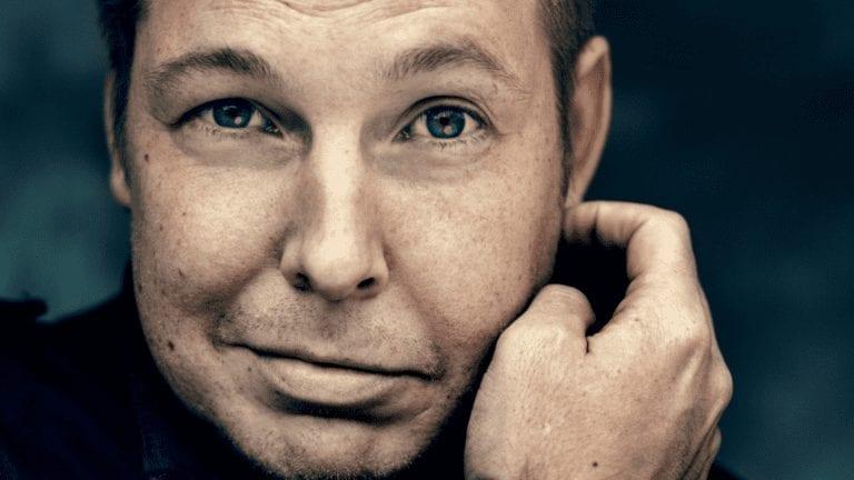 Fredrik Backman er modtager Helsinborgsmedaljen 2020